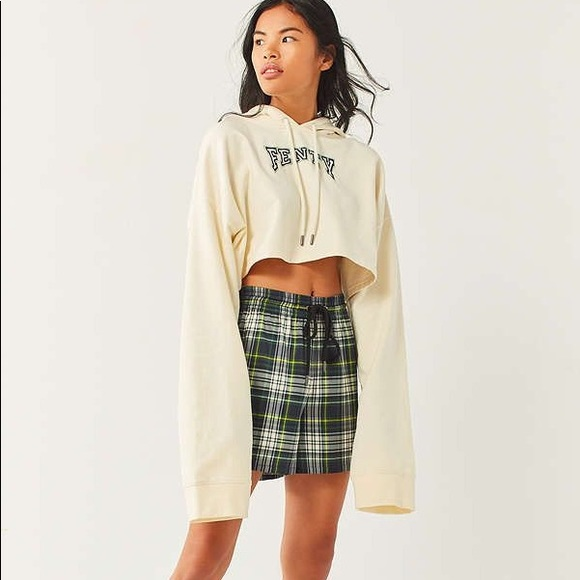 c52315e749461 Brand new Fenty Rihanna Plaid Shorts 💚💙